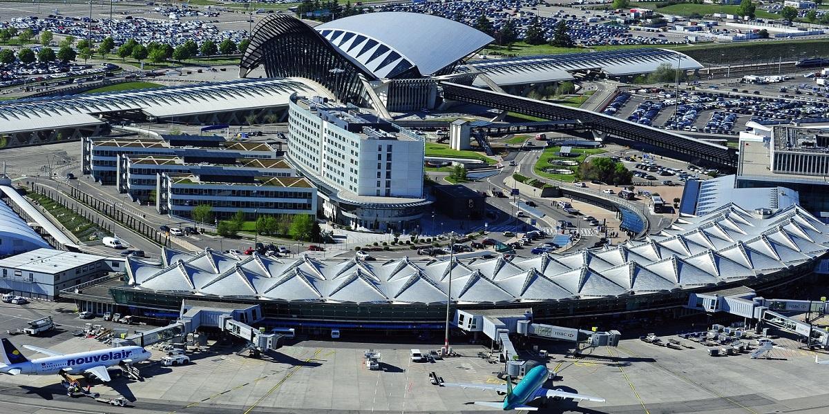 Добраться в Лез Арк из аэропорта Лиона (Get from Lyon airport to Les Arc). Такси эконом и бизнес класса.