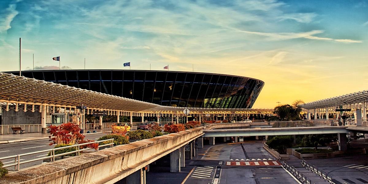 Добраться из аэропорта Ниццы в Канны