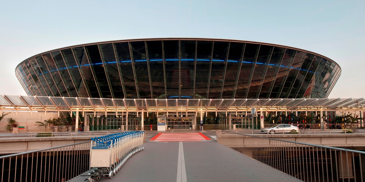 Добраться из аэропорта Кот д Азур в Ницца