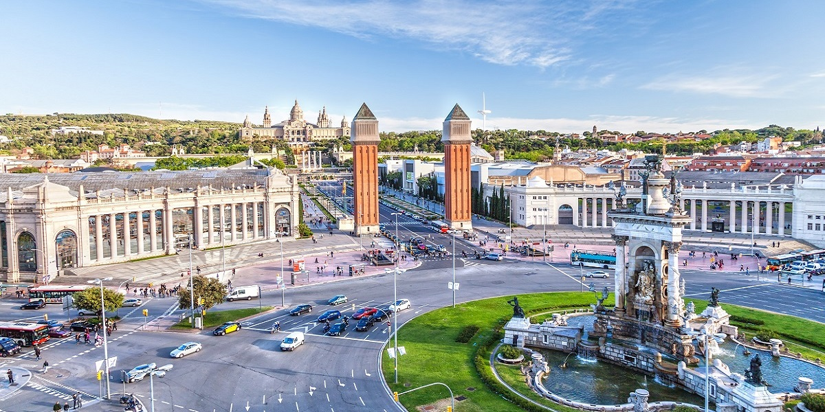 Taxi from Airport Barcelona to Barcelona. English-speaking drivers