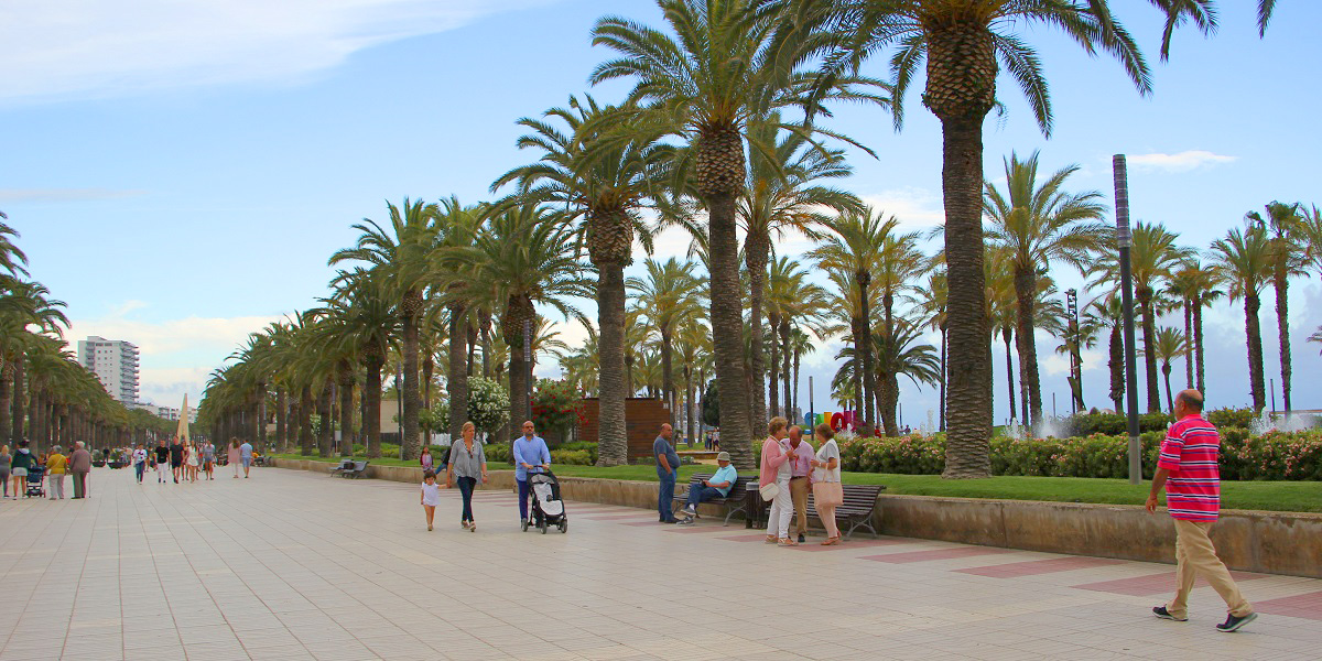 Taxi from Airport Barcelona to Salou. English-speaking drivers