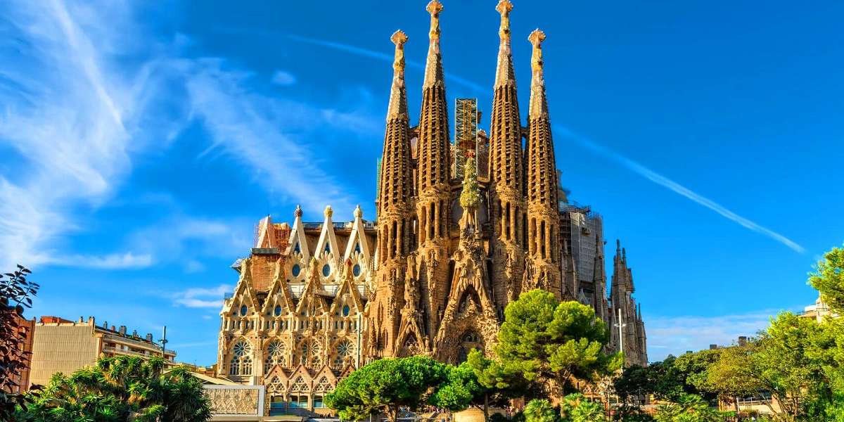 Обзорная экскурсия по Барселоне - Храм Саграда де Фамилия