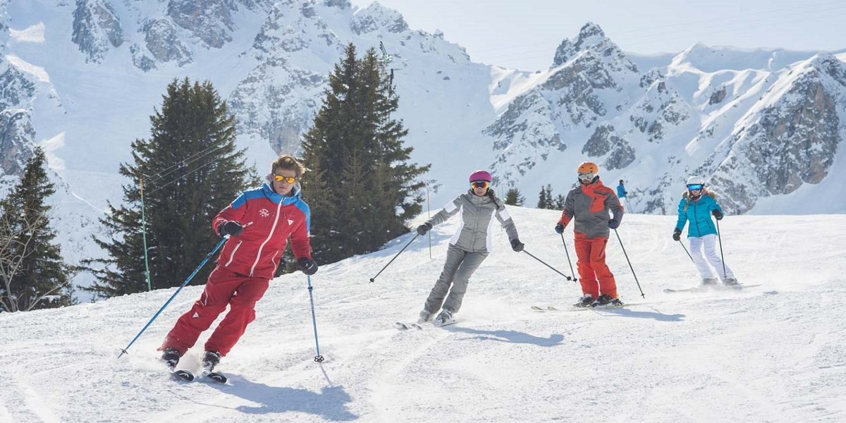 Инструкторы по горным лыжам и сноуборду в Трех Долинах: Куршевель, Валь Торанс, Мерибель, Брид ле Бен, Ле Менюир, Ла Танья